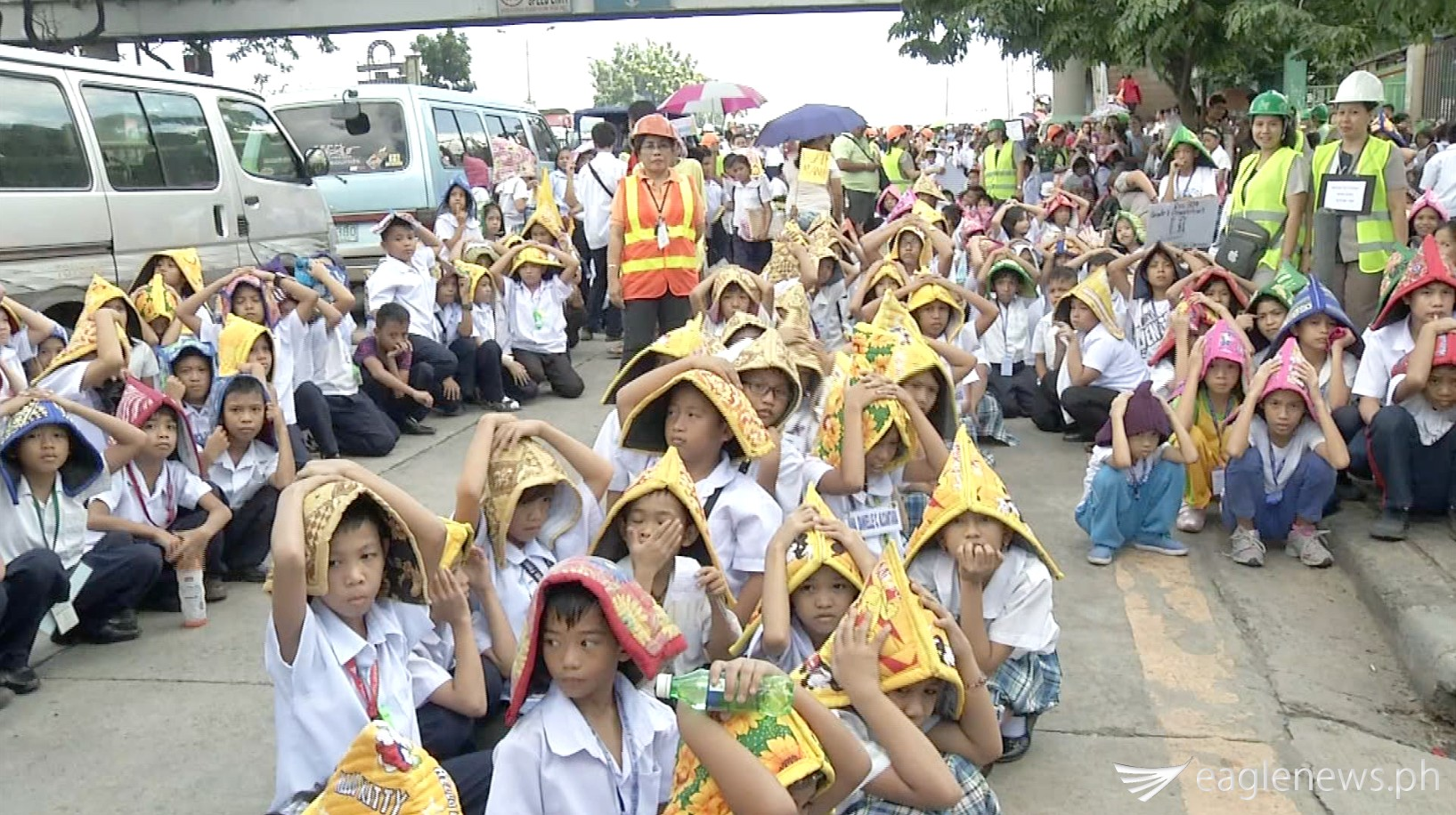 Some of the school children who participated in the Metro Manila Development Authority's metro-wide quake drill on July 30, 2015.  (Eagle News Service)