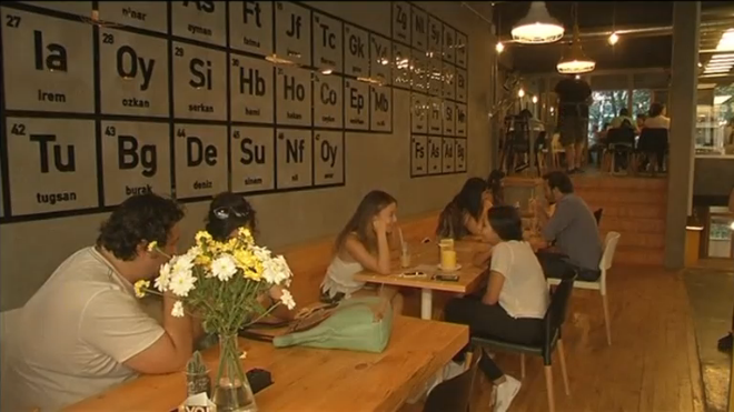 39 breaking bad 39 inspired coffee shop attracts fans in istanbul. Black Bedroom Furniture Sets. Home Design Ideas