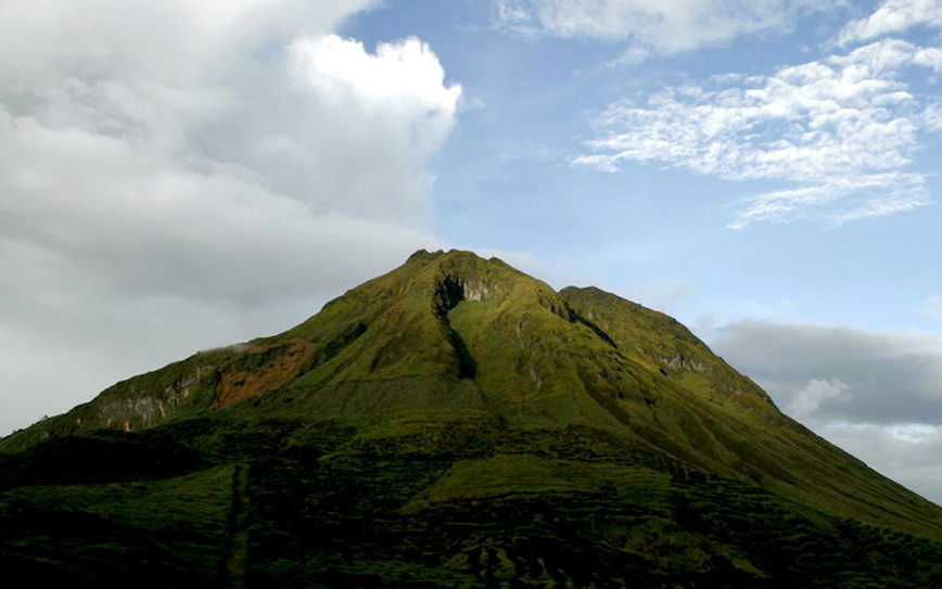 Only 1 000 Allowed To Climb Mt Apo During Holy Week