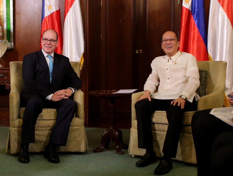 President Benigno S. Aquino III exchanges pleasantries with His Serene Highness Albert II, Sovereign Prince of Monaco, at the Music Room of the Malacañan Palace during the official visit of the Prince to the Republic of the Philippines on Thursday (April 07). (Photo by Lauro Montellano, Jr. / Malacañang Photo Bureau)