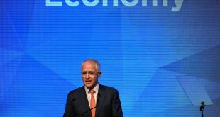 Australian conservatives edge ahead in Brexit shadow