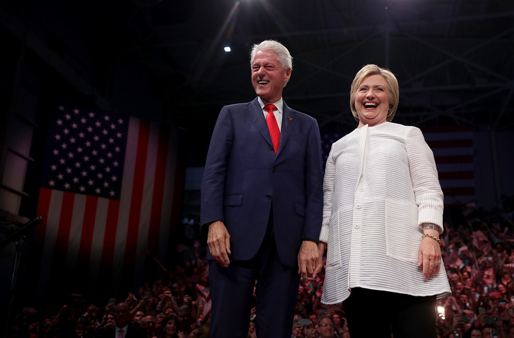 bill clinton and integrity Hillary clinton has been involved in 10 scandals involving hillary clinton you may have lootergate - bill and especially hillary started to ship white.