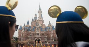 Disney theme park in Shanghai nears a million visitors