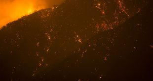 SANTA CLARITA, CA - JULY 24: A scorched mountainside is seen in Placerita Canyon at the Sand Fire on July 24, 2016 in Santa Clarita, California. Triple-digit temperatures and dry conditions are fueling the wildfire, which has burned across at least 32,000 acres so far and is only 10% contained.   David McNew/Getty Images/AFP