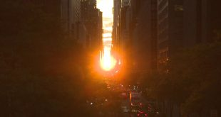 'Manhattanhenge' sunset lights up New York