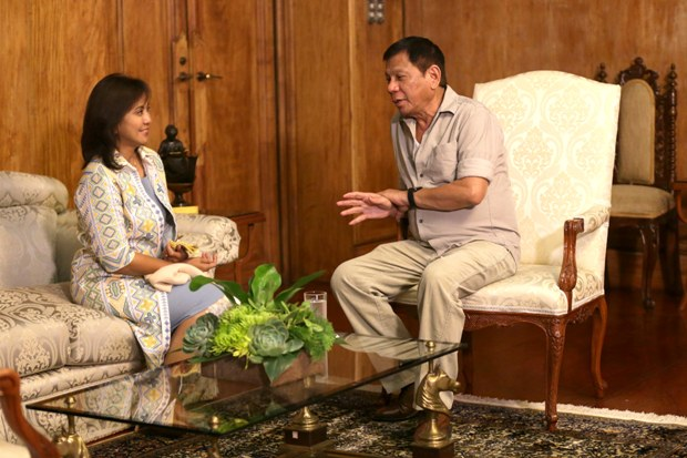 Robredo resigns after receiving notice not to attend cabinet ...