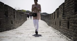 Chinese outrage over 'ugly' restoration of Great Wall