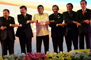 From L-R: Vietnam's Prime Minister Nguyen Xuan Phuc, Laos Prime Minister Thongloun Sisoulith, Philippine President Rodrigo Duterte, Brunei's Sultan Hassanal Bolkiah, Cambodia's Prime Minister Hun Sen, and Indonesia's President Joko Widodo attend the opening ceremony of the Association of Southeast Asian Nations (ASEAN) Summit in Vientiane on September 6, 2016. The gathering will see the 10 ASEAN members meet by themselves, then with leaders from the US, Japan, South Korea and China.  / AFP PHOTO / ROSLAN RAHMAN