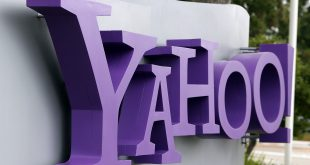 SUNNYVALE, CA - JULY 17: The Yahoo logo is displayed in front of the Yahoo headqarters on July 17, 2012 in Sunnyvale, California. Yahoo will report Q2 earnings one day after former Google executive Marissa Mayer was named as the new CEO. Photo by Justin Sullivan/Getty Images/AFP