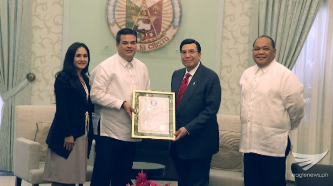 Guam Senator visits INC Executive Minister, presents Guam's resolution giving tribute to INC