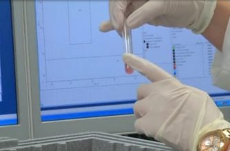 Scientists in Britain hope a simple blood test could one day act as a 'smoke alarm' for early detection of cancer by spotting mutated blood cells that could indicate the disease at a very early stage. (Photo grabbed from Reuters video)