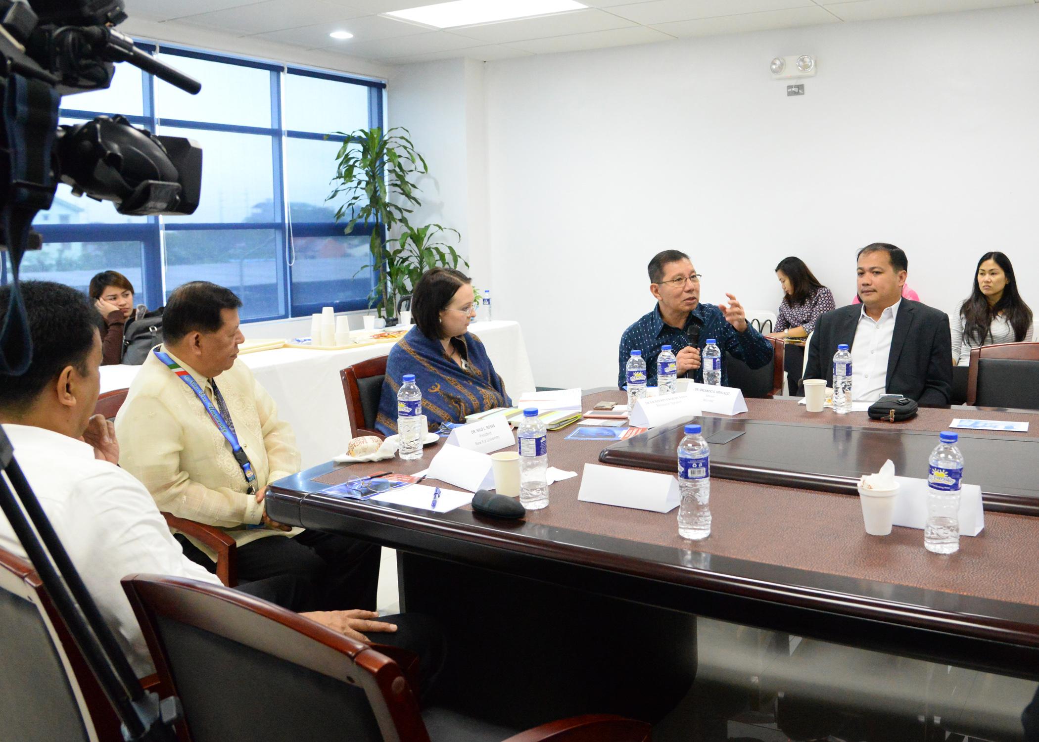 Former Senator Orlando Mercado stresses a point during the NEU Asean Studies Center's roundtable discussion on Friday. November 25, 2016.