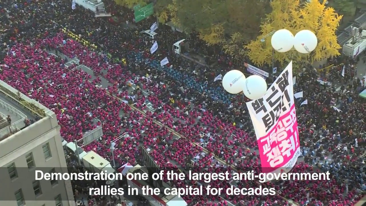'Million'-strong protest tells South Korea president to quit