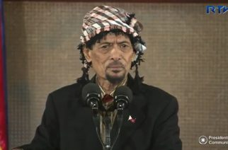 Moro National Liberation Front chair Nur Misuari delivers a short speech in Malacanang upon President Duterte's invitation.  (Photo grabbed from RTVM video)