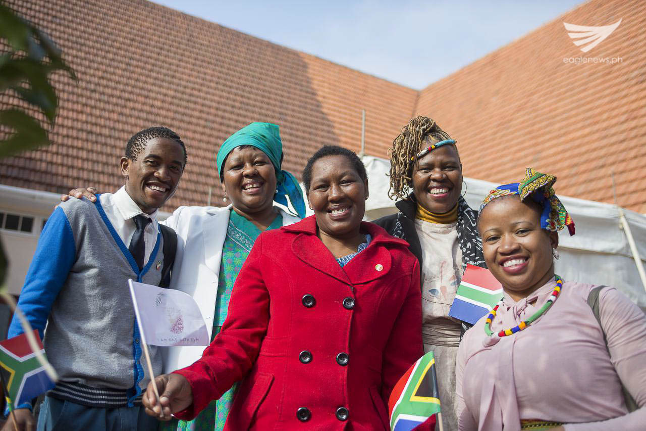 Some of the Iglesia Ni Cristo members in South Africa. (Photo courtesy: INC Executive News)