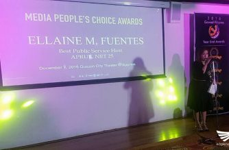"Eagle News Service's Current Affairs host, Ellaine Fuentes, accepts the award as ""Best Public Service Host"" in the recent Gawad Pilipino Media People's Choice Awards at the Qeuzon City Theater on Wednesday, December 7.  (Photo courtesy Kit Matienzo)"