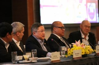 Finance Secretary Carlos G. Dominguez III shares the infrastructure program of the Duterte administration saying it would unleash and help the Philippine economy expand at a faster rate during his remarks before more than a hundred stakeholders and development partners at the 3rd Quartely Roundtable Program of the Wallace Business Forum, held at Shangri-La Hotel, Makati. (DFA Photo)