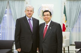 """Russian Federation Ambassador Igor Anatolyevich Khovaev makes a courtesy call to  Iglesia Ni Cristo Executive Minister Brother Eduardo V. Manalo on Tuesday, December 20, at the INC's Central Office in Quezon City, as he pushed for more """"people to people contact"""" between Russia and the Philippines.  (Eagle News Service)"""