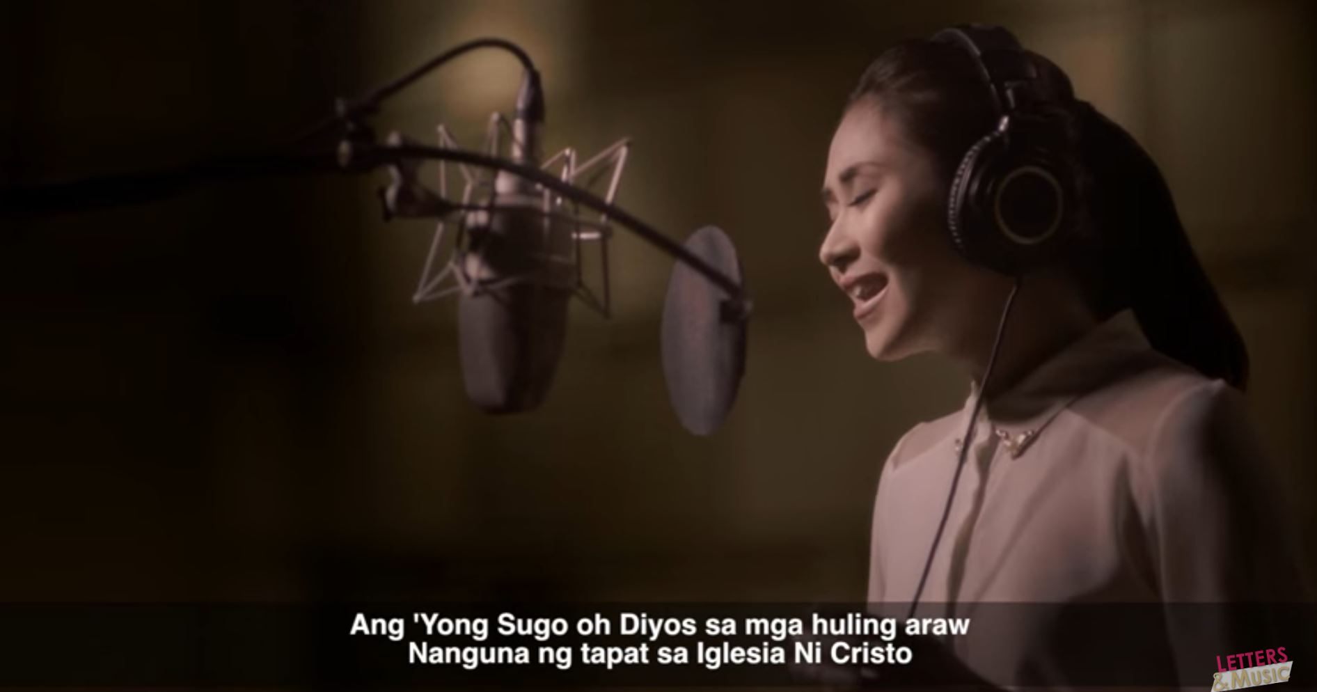 """Ang Sugo ng Diyos sa mga Huling Araw,"" theme song of the historical biographical film, ""Felix Manalo"" also won as Best Theme Song in the 64th FAMAS awards held Sunday night (December 4). The movie's theme song was sung by singer-actress Sarah Geronimo. (Eagle News Service)"
