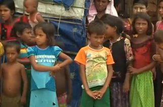 Some of the Rohingya children in refugee camps.  Human Rights Watch hopes to see ASEAN countries push to solve Rohingya crisis in the upcoming meeting in Yangon.   (Photo grabbed from Reuters video)