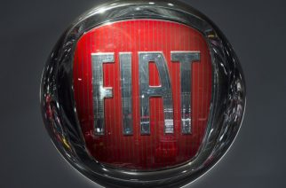(FILES) This file photo taken on January 10, 2017 shows the Fiat logo during the 2017 North American International Auto Show in Detroit, Michigan. The United States on January 12, 2017 charged Fiat Chrysler with using software on its trucks to evade emissions standards on about 104,000 vehicles.The Environmental Protection Agency said the undisclosed software on the 2014 to 2016 models of Grand Cherokees and Dodge Ram 1500 trucks sold in the United States allowed the vehicles to emit more nitrogen oxides than permitted.The company already is facing two class-action lawsuits over use of the defeat software.  / AFP PHOTO / SAUL LOEB