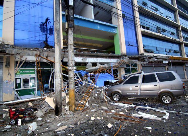 News in Photos: Aftermath of 6.7 magnitude quake in Surigao City