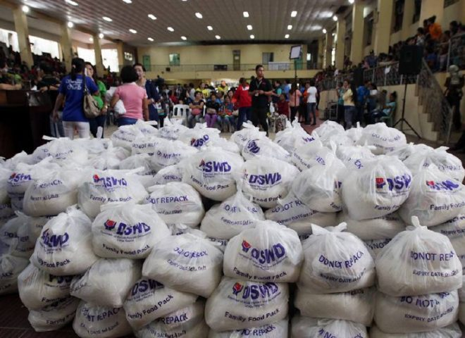 News in Photos: Naging pagdalaw ni Pangulong Duterte sa mga biktima ng lindol at pamamahagi ng relief sa Surigao City