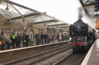 A time-tabled steam train service runs in Britain for the first time in half a century.(photo grabbed from Reuters video)