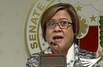 """Senator Leila De Lima calls for public support for her cause, in a press conference where she called President Duterte as a """"serial killer"""" and a """"dictator""""   The senator even called for Filipinos to rise up against Duterte, recalling what happened in the EDSA People Power in February 1986.  (Eagle News Service)"""