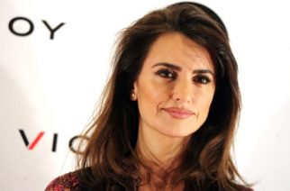 "Spanish actress Penelope Cruz poses during a press conference to promote her new documentary film about childhood leukemia, "" Soy uno entre cien mil"" at  Academia de Cine in Madrid on January 28, 2016.    AFP PHOTO / CURTO DE LA TORRE / AFP PHOTO / CURTO DE LA TORRE"