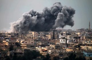 Smoke billows following reported air strikes on a rebel-held area in the southern city of Daraa, on March 16, 2017. Daraa province, the cradle of the 2011 uprising against President Bashar al-Assad's regime, is mostly held by the rebels but pro-government forces and Islamic State are also present.   / AFP PHOTO / MOHAMAD ABAZEED