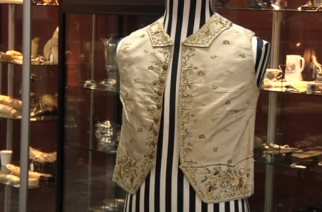 Captain Cook 250-year-old waistcoat has been referred at auction for $575,000 AUD ($438,380 USD) in Sydney, not reaching the estimate of $800,000 ($609,920 USD) to $1.1 million ($838,640 USD.)photo grabbed from Reuters video)