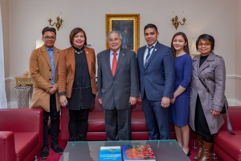 Eagle Broadcasting Corporation bureau in London makes a courtesy call to Philippine Ambassador Anton Lagdameo abd other officials of the Philippine embassy in London. (Eagle News Service)