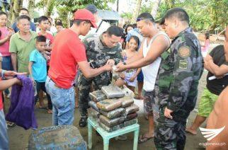 10 pakete ng dried marijuana natagpuan ng mga mangingisda sa Tandag City