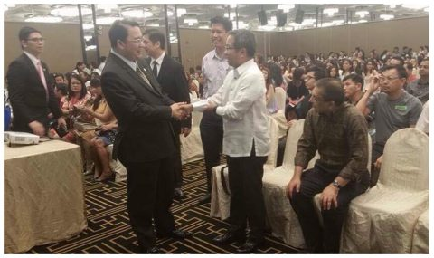 Philippine Ambassador to Singapore Antonio A. Morales attended the Evangelical Mission organized by the Iglesia ni Cristo (INC) at the Concorde Hotel, Singapore, on Sunday, 26 March 2017. (Photo from the Philippine embassy's website in Singapore)