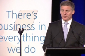 New Zealand's Prime Minister Bill English announces a renewed free trade push ahead of a visit by Chinese Premier Li Keqiang.(photo grabbed from Reuters video)