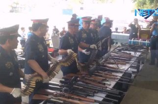 WATCH: QCPD presents recovered unlicensed high powered firearms, ammunition from 36 T. Sora