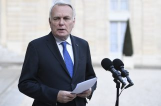 French Foreign Minister Jean-Marc Ayrault gives a statement to the media following a Defence Cabinet meeting on April 26, 2017 at the Elysee Palace in Paris. A report by French intelligence services blames the Syrian President's regime for a suspected chemical attack in rebel-held Syria that killed 87 people, Foreign Minister Jean-Marc Ayrault said Wednesday. / AFP PHOTO / STEPHANE DE SAKUTIN