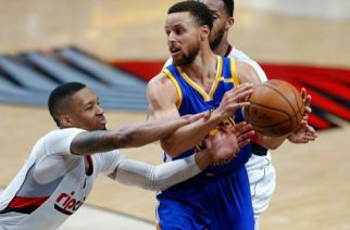 PORTLAND, OR - APRIL 24: Stephen Curry #30 of the Golden State Warriors is guarded by Damian Lillard #0 of the Portland Trail Blazers during Game Four of the Western Conference Quarterfinals of the 2017 NBA Playoffs at Moda Center on April 24, 2017 in Portland, Oregon. NOTE TO USER: User expressly acknowledges and agrees that, by downloading and or using this photograph, User is consenting to the terms and conditions of the Getty Images License Agreement.   Jonathan Ferrey/Getty Images/AFP