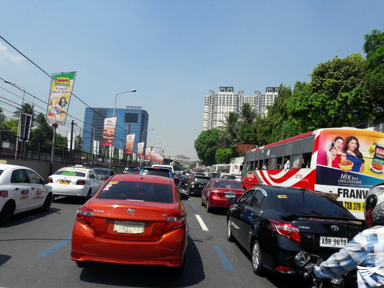 Vehicles began piling up along Edsa-Magallanes (southbound) on Thursday morning. Erwin Temperante, Eagle News Service