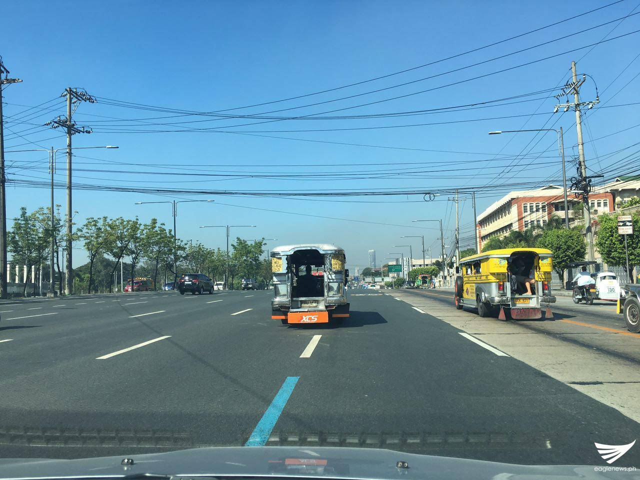 There were almost no vehicles plying Commonwealth Ave. on Thursday morning. Meanne Corvera, Eagle News Service