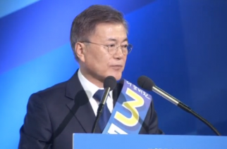 Moon Jae-in, a South Korean human rights lawyer and a top aide to a former President Roh Moo-hyun, wins the liberal Democratic Party primary to become the presidential candidate for the largest party.(photo grabbed from Reuters video)