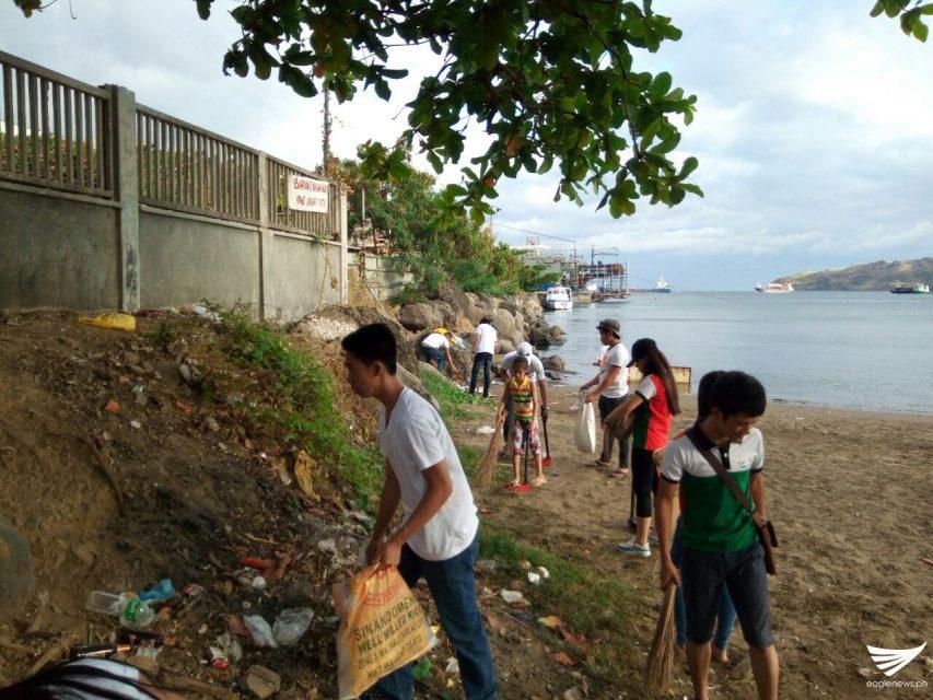 Mga kabataang miyembro ng Iglesia Ni Cristo sa Mariveles, Bataan nagsagawa ng coastal clean-up drive