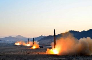 """This undated picture released by North Korea's Korean Central News Agency (KCNA) via KNS on March 7, 2017 shows the launch of four ballistic missiles by the Korean People's Army (KPA) during a military drill at an undisclosed location in North Korea.  Nuclear-armed North Korea launched four ballistic missiles on March 6 in another challenge to President Donald Trump, with three landing provocatively close to America's ally Japan. / AFP PHOTO / KCNA VIA KNS / STR / South Korea OUT / REPUBLIC OF KOREA OUT   ---EDITORS NOTE--- RESTRICTED TO EDITORIAL USE - MANDATORY CREDIT """"AFP PHOTO/KCNA VIA KNS"""" - NO MARKETING NO ADVERTISING CAMPAIGNS - DISTRIBUTED AS A SERVICE TO CLIENTS THIS PICTURE WAS MADE AVAILABLE BY A THIRD PARTY. AFP CAN NOT INDEPENDENTLY VERIFY THE AUTHENTICITY, LOCATION, DATE AND CONTENT OF THIS IMAGE. THIS PHOTO IS DISTRIBUTED EXACTLY AS RECEIVED BY AFP.  /"""