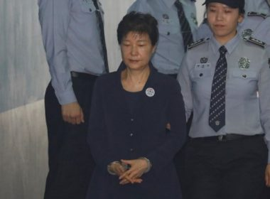 South Korean ousted leader Park Geun-hye arrives at a court in Seoul on May 23, 2017. Park Geun-Hye was due in court on May 23 to face trial over the massive corruption scandal that led to her stunning downfall. / AFP PHOTO / POOL / KIM HONG-JI