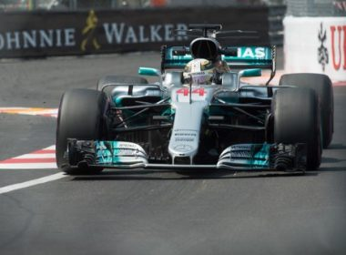 Mercedes' British driver Lewis Hamilton drives during the first practice session at the Monaco street circuit on May 25, 2017 in Monaco, three days ahead of the Monaco Formula 1 Grand Prix.  / AFP PHOTO / BERTRAND LANGLOIS