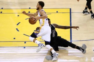 OAKLAND, CA - MAY 16: Stephen Curry #30 of the Golden State Warriors is fouled by Dewayne Dedmon #3 of the San Antonio Spurs during Game Two of the NBA Western Conference Finals at ORACLE Arena on May 16, 2017 in Oakland, California. NOTE TO USER: User expressly acknowledges and agrees that, by downloading and or using this photograph, User is consenting to the terms and conditions of the Getty Images License Agreement.   Ezra Shaw/Getty Images/AFP