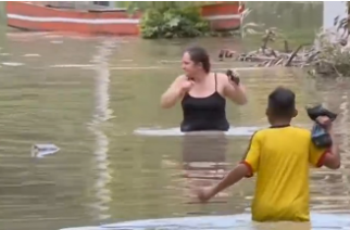 Residents of flood-ravaged areas of Colombia salvaged what belongings they could from their homes after the Magdalena River burst its banks, threatening families and cutting off communities. Photo grabbed from reuters video file.