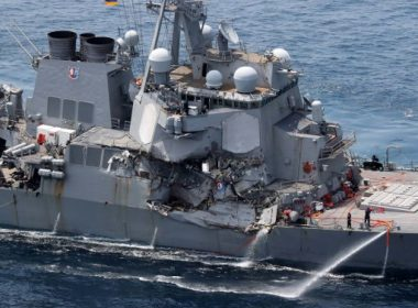 Damage is seen on the guided missile destroyer USS Fitzgerald off the Shimoda coast, after it collided with a Philippine-flagged container ship, on June 17, 2017. Seven US sailors were missing and a skipper injured after their Navy destroyer collided with a container ship off the coast of Japan early on June 17, with the badly damaged US vessel partially flooded. / AFP PHOTO / JIJI PRESS / STR / Japan OUT