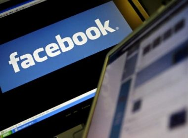 (FILES) This file photo taken on December 12, 2007 shows the logo of social networking website 'Facebook' displayed on a computer screen in London, 12 December 2007.  US social media giant Facebook launched a campaign in Britain on June 23, 2017 to counter the spread of online extremism following warnings from Prime Minister Theresa May after four terror attacks in three months. / AFP PHOTO / LEON NEAL